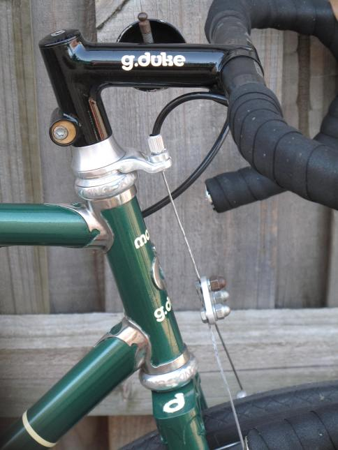The Nuevo Clubman with a fillet brazed stem and custom machined spacer